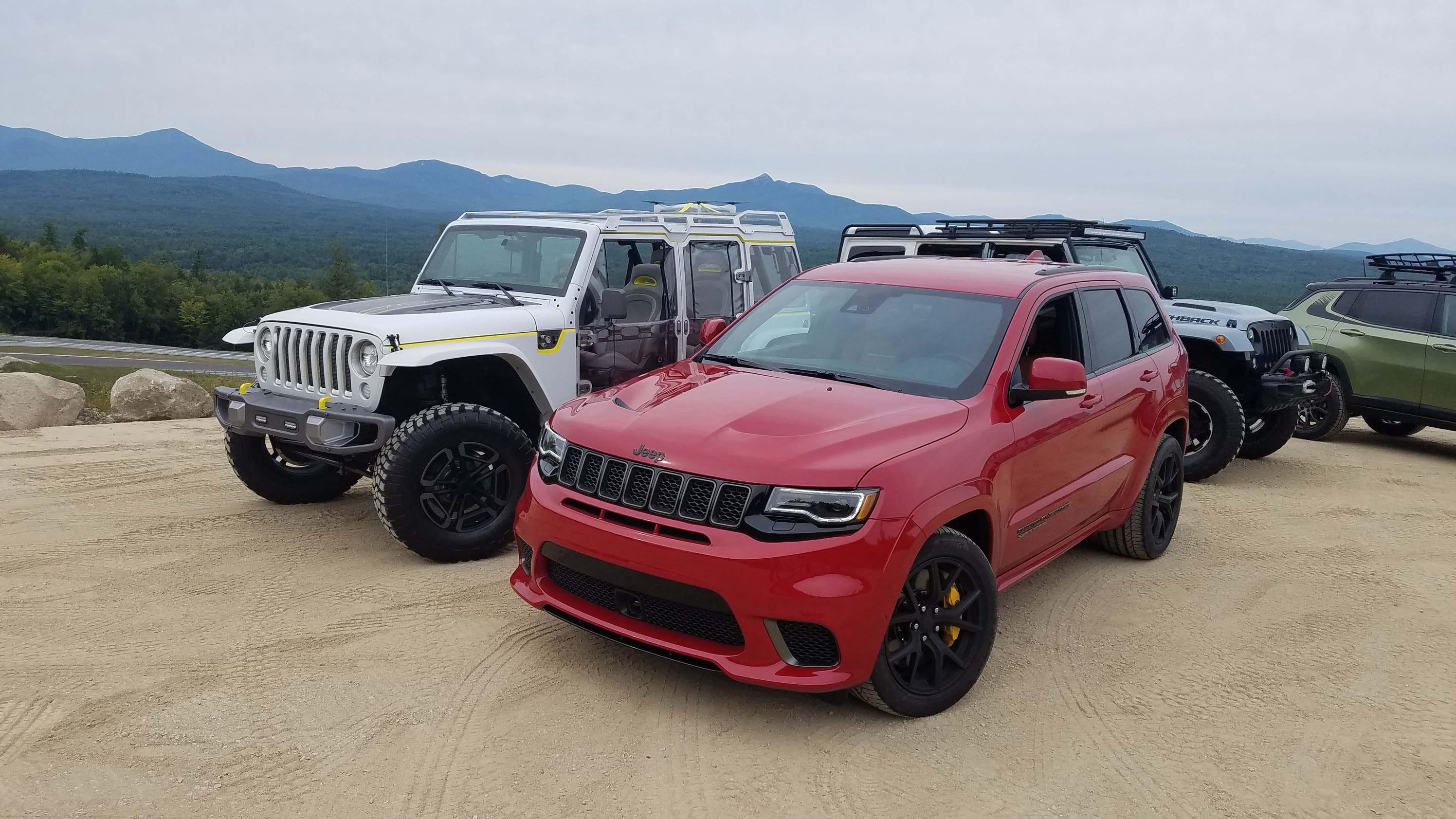 first drive: jeep grand cherokee trackhawk