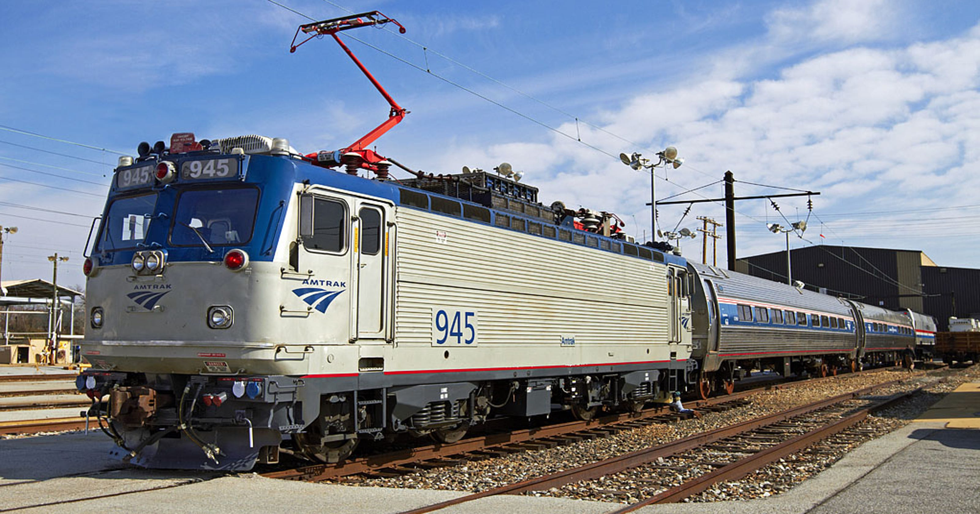 Amtrak To Retire 37 Year Old Electric Locomotives