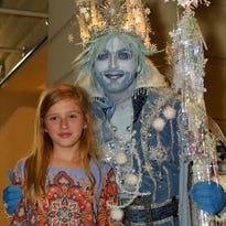 Let it snow: Thousands turn out for annual holiday season kickoff on Third Street