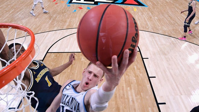 Donte DiVincenzo led the Wildcats against Michigan with 31 points.