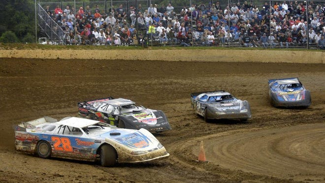 The start of the 2020 stock car racing season at Peoria Speedway is slated to begin Saturday.