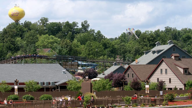 Holiday World & Splashin Safari expects a full turnout for the week of July 4, despite  gas prices, spokeswoman Paula Werne said.