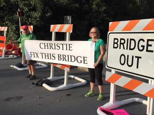 Fix-this-bridge.jpg