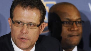 Gus Malzahn and Bo Jackson will look win the Chick-fil-A Peach Bowl Challenge.