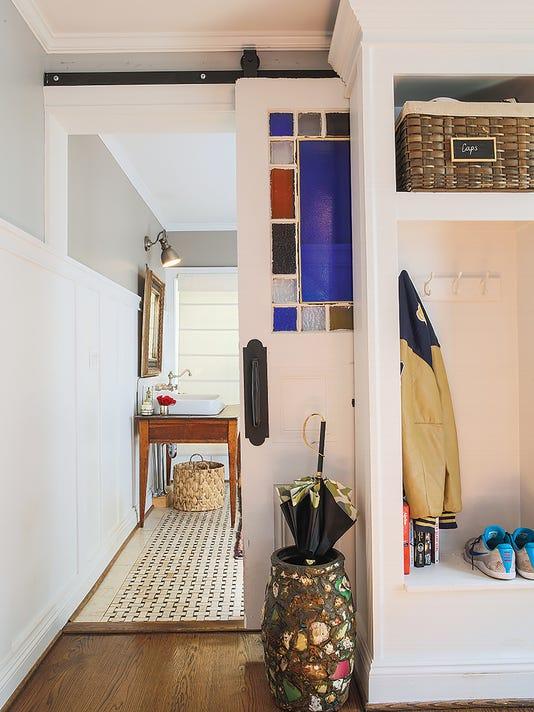 636173977716432281-RM25-coatroom.jpg