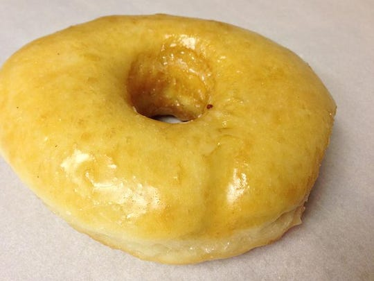 Bennett's Fresh Roast as a sweet deal for you on Monday. Enjoy one cinnamon sugar or glazed doughnut for $1.