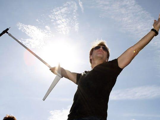 Bon Jovi Tour_Gorn(2).jpg