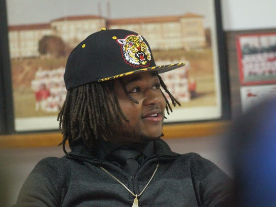 Leon running back Queze Brutton signed with Grambling.
