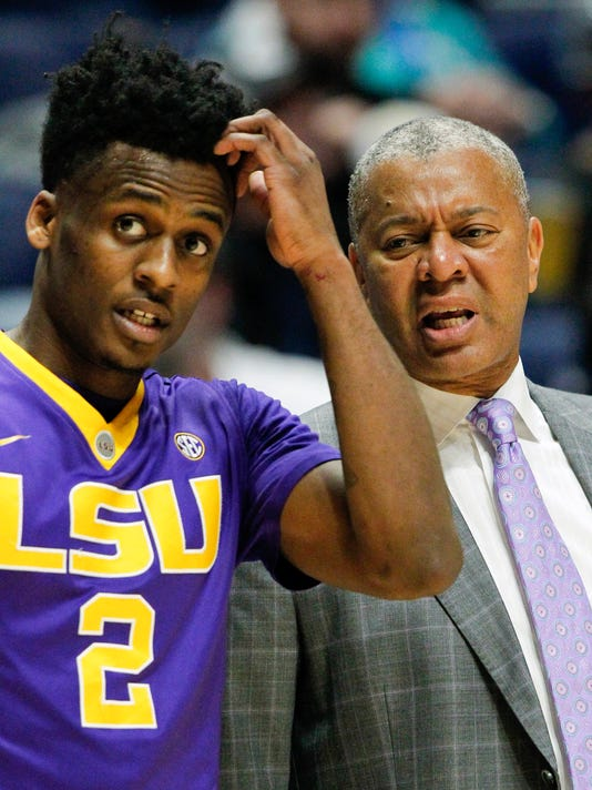 LSU coach Johnny Jones talks with guard Antonio Blakeney during the first half of the teams NCAA college basketball game against Mississippi State at the Southeastern Conference tournament Wednesday, March 8, 2017, in Nashville, Tenn. (AP Photo/Wade Payne)