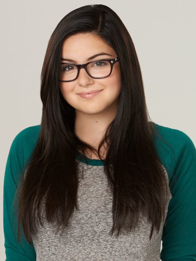 Modern family girl with big boobs Modern Family Star Ariel Winter Undergoes Breast Reduction Surgery