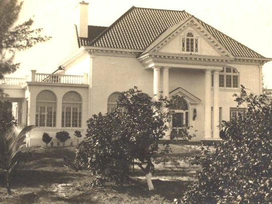 The remodeled Castle in 1930 in colonial style