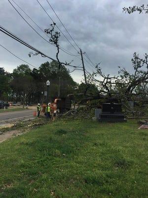 Starkville Utilities crews working on University Drive.