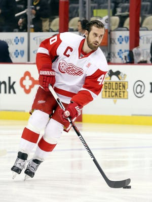 Red Wings left wing Henrik Zetterberg (40) skates on the ice before the Wings' 5-3 loss Saturday in Pittsburgh.