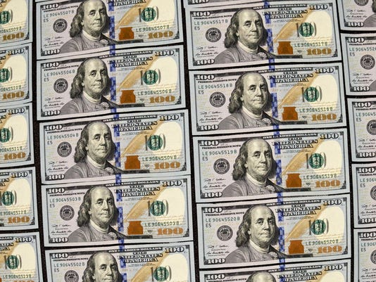 -$100 Bills_Redm.jpg_20140404.jpg