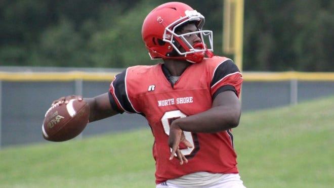 Sports)North Shore quarterback Dematrius Davis (Photo: Brian Perroni/247Sports)