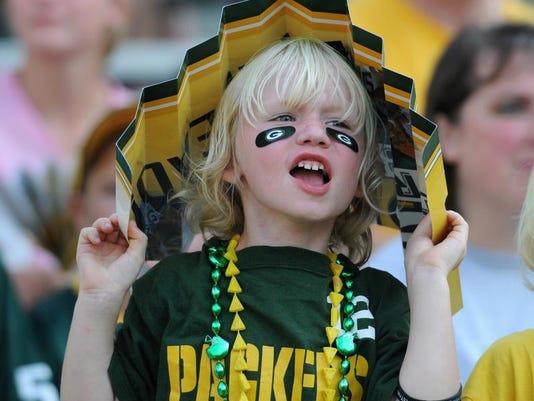 GPGBrd_08-04-2012_Gazette_1_A001~~2012~08~03~IMG_-GPG_N_Packers_Famil_1_1_Q7.jpg