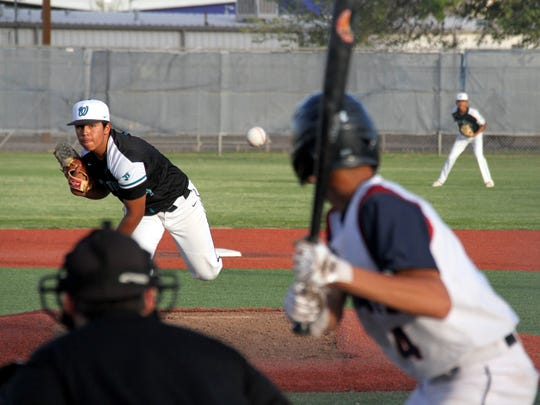 David De Santiago, pitching, and the Santa Teresa Desert Warriors start the Class 5A state tournament Friday at Albuquerque Academy.