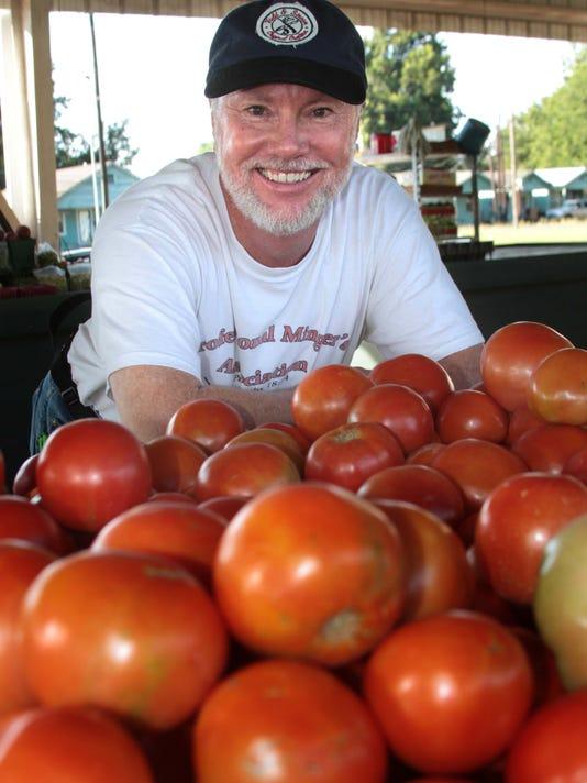MON Farmers Market 0828.jpg