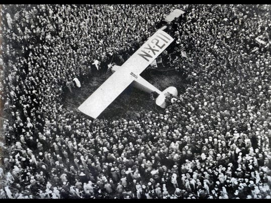 Lindbergh=Spirit_of_St._Louis_at_Croydon_Aerodome_London_May_29_1927[1]