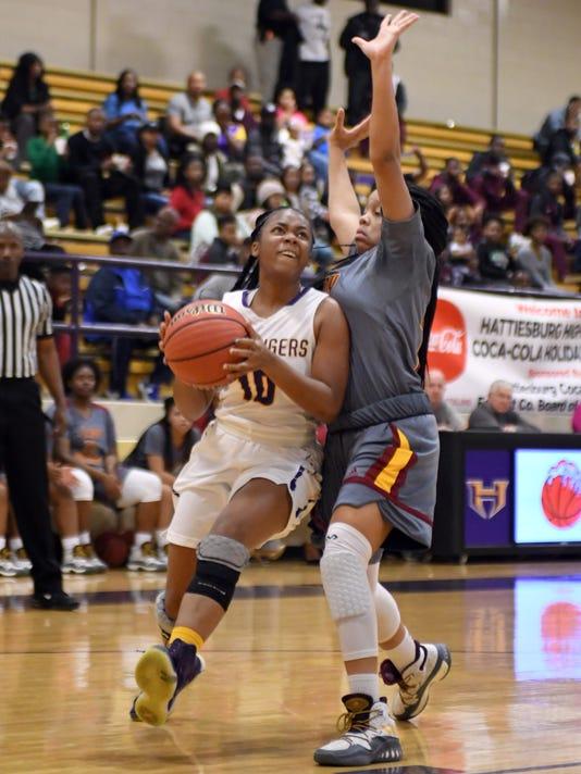 636501780296839461-Laurel-vs-HHS-Girls-Basketball-10.jpg