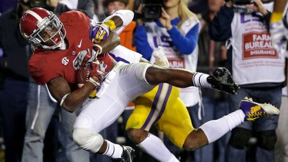 Alabama senior receiver DeAndrew White catches game-winning