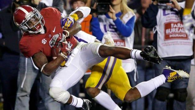 Alabama senior receiver DeAndrew White catches game-winning touchdown in 20-13 overtime win at LSU.