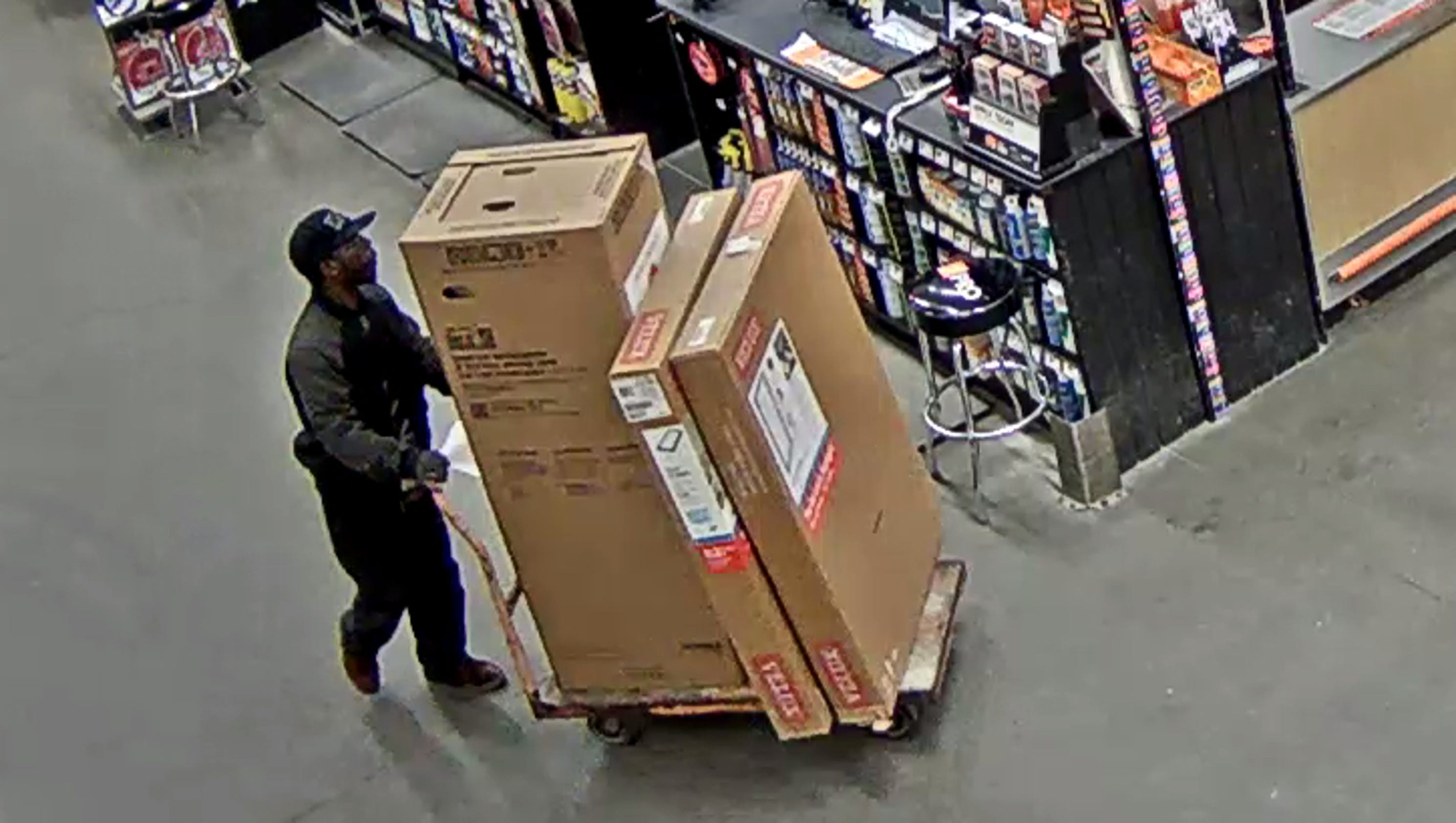 Police Identity Thief Hits Home Depot