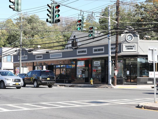 New businesses and stores for rent at the four corners