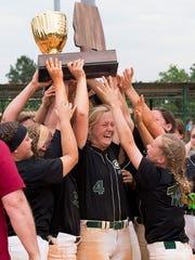 Edgewood celebrates winning the AISA AAA State Softball