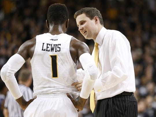 Former Dickson County star JeQuan Lewis (1) with Virginia Commonwealth coach Will Wade.