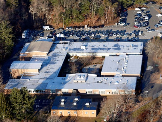 Sandy_Hook_Elementary_School_