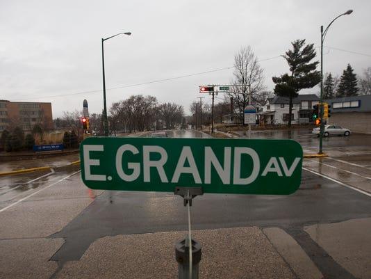 635930280556263441-WRT-East-Grand-Avenue-01.JPG