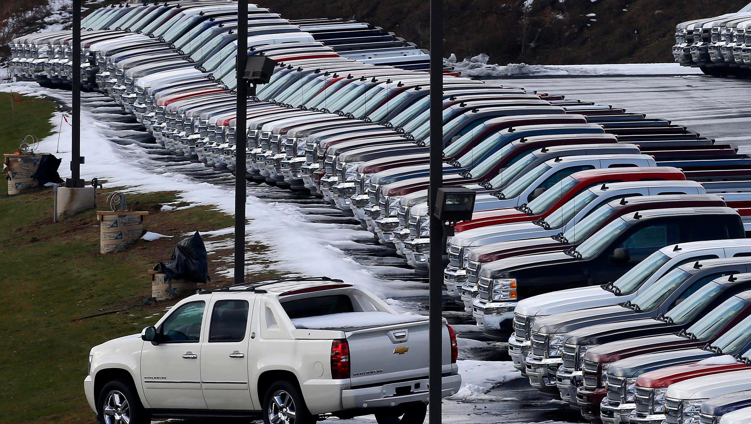 Auto sales strong as industry nears record high for 2016