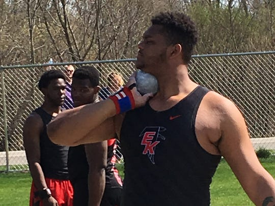 East Kentwood offensive tackle Logan Brown committed