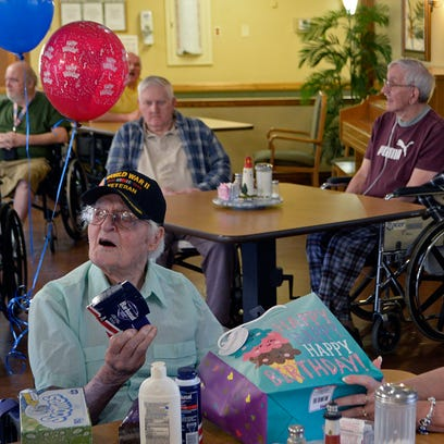 Veterans celebrate WWII soldier's 100th birthday (just a little early)