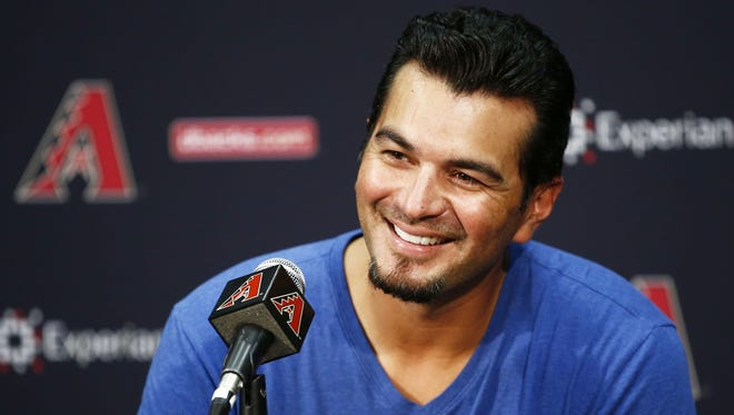 Eric Chavez, who retired from the Arizona Diamondbacks in 2014, is selling his Paradise Valley mansion for $5.4 million.