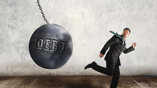 The economic disruption caused by the COVID-19 pandemic has increased the debt held by many Americans. When everything is taken into consideration, the average American holds a whopping $90,460 in debt.
