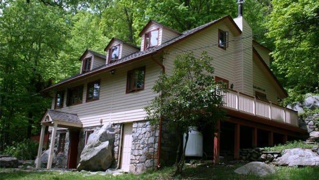 213 Canopus Hollow Road, Putnam Valley