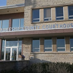 Milwaukee man charged in UPS thefts at Elm Grove facility