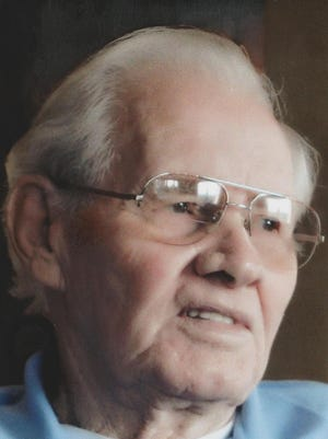Donald G. Campbell. 86, of Fort Collins, Colorado passed away January 7, 2015.  He was born May 1, 1928 in Denver, Colorado to Paul and Lena Campbell.