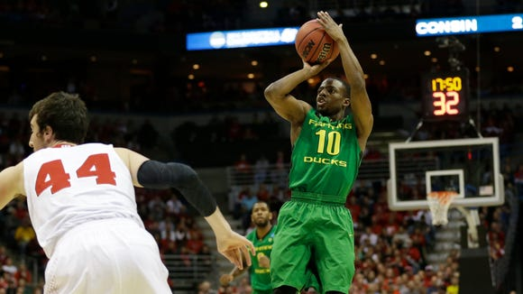 Oregon guard Johnathan Loyd (10) helped the Ducks reach the Sweet 16 in 2013.