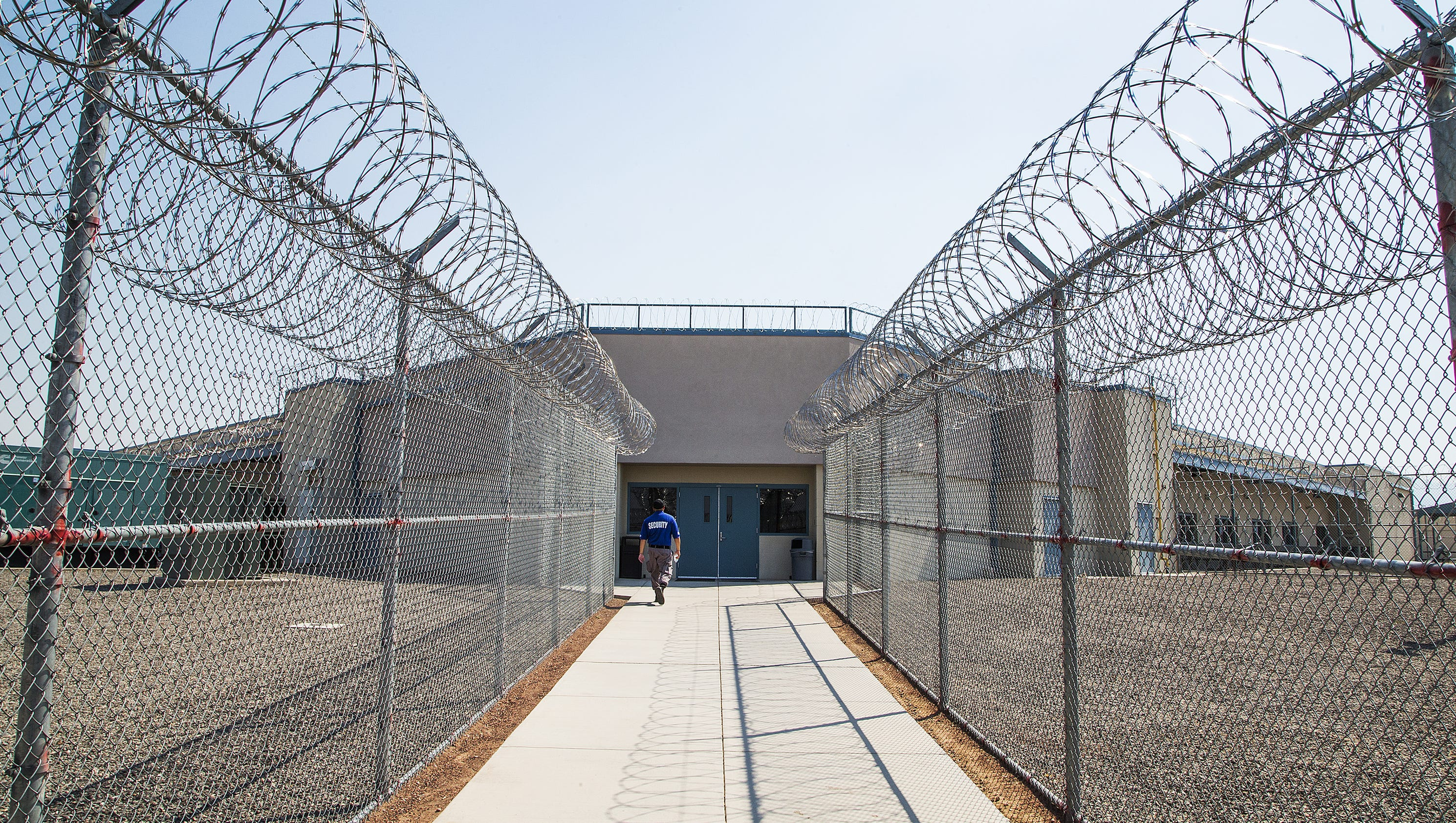 privatizing prisons The history of privatization  groups across the country are organizing and starting to see success water systems are being remunicipalized, private prison companies are losing contracts (and.