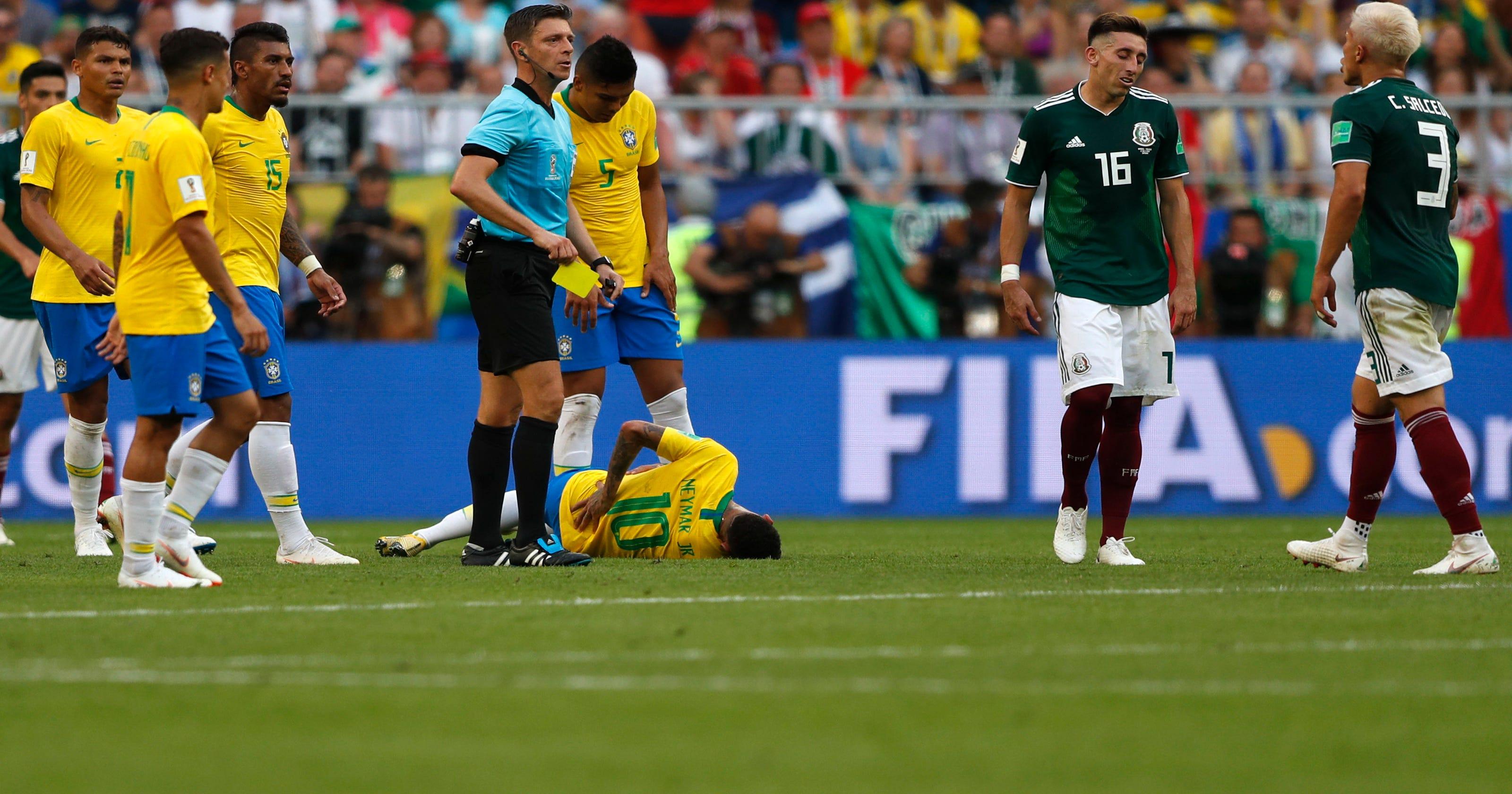 26035e8d81c Neymar urged to stop acting, win titles to get FIFA award