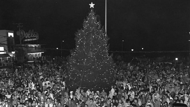 Rehoboth Beach's Christmas tree lighting ceremony started in 1986.