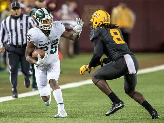 NCAA Football: Michigan State at Minnesota