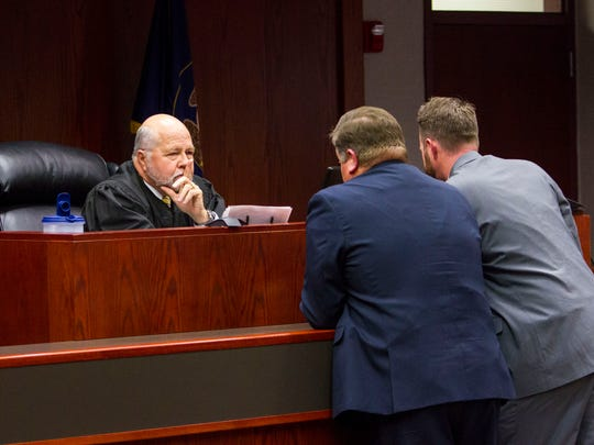 Judge James Shumate (left) talks with defense attorney Matthew Carling (middle) and deputy county attorney Mike Edwards (right) during the sentencing hearing for Vickie Sorensen at the Fifth District Court in Cedar City on Tuesday, Jan. 31, 2017.