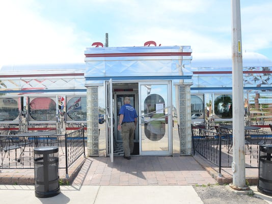 PTH0704 POWERS DINER