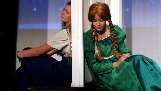 Mackenzie Bridges and Katelyn Wright play Elsa and Anna in Kings Mountain Little Theatre's production of Frozen Jr.