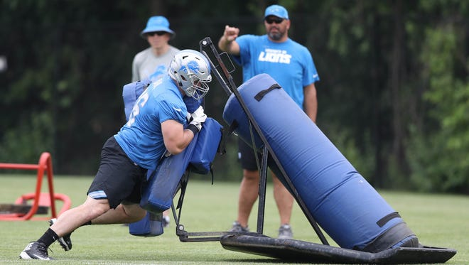 Detroit Lions lineman Joe Dahl goes through drills during minicamp Wednesday, June 14, 2017 at the practice facility in Allen Park.