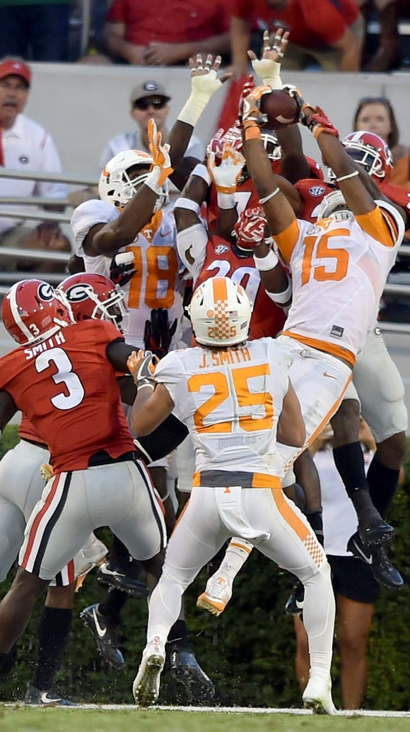 Tennessee wide receiver Jauan Jennings (15) leaps in